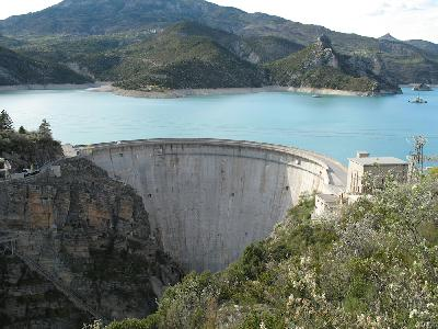 Barrage voûte de Castillon